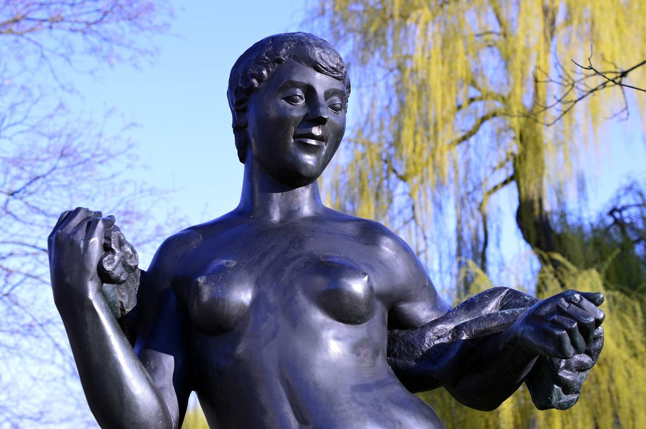 Obrazy olejne akty rzeźba erotyczna. Galeria Sztuki Foksal 17